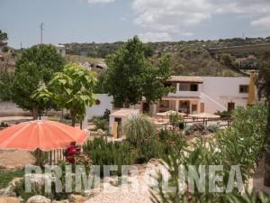 granada hostel piscina montañas